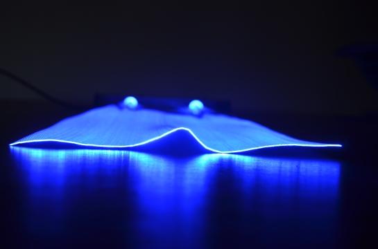 tissu lumineux - tissus lumineux : illuminated fabric - bright fabrics