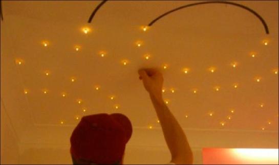 Concept d'éclairage sans fil- Luminaires LEDs sans fil à piquer sur panneau conducteur d'électricité - conçu & fabriqué en FRANCE